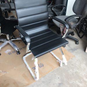 Ghế chân quỳ da lưng thấp mã CQ65